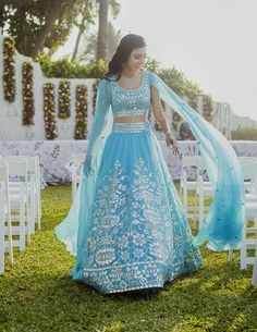 Its a super cool way of adding your dupatta instead drapping it separately! Looks so cool and it's so fuss free. #indianbride #bridaloutfit #lehenga #wittyvows
