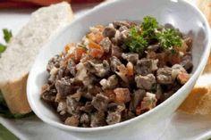 ¡Diviértete preparando este delicioso Bocadito chileno con res!  Síguenos en  @Cátia da Silvaé_Ecuador.