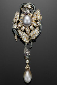 18K Yellow Gold Natural Pearl, Diamond and Enamel Snake Brooch, French, 19th Century.