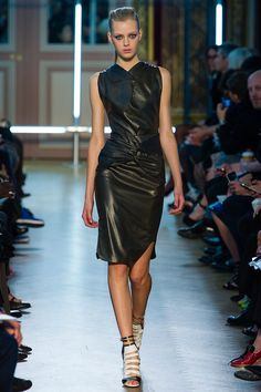 Esther Heesch walking Roland Mouret Spring '13 RTW #runway #fashion