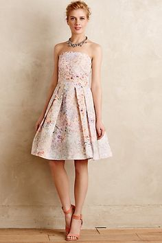 With a neckline reminiscent of Jennifer Lawrence at the Oscars. Confetti Fete Dress #anthropologie #prettyfunnyblog #anthro