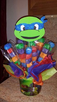 Centro de mesa. Arreglo de bombones. Ninja Turtles.