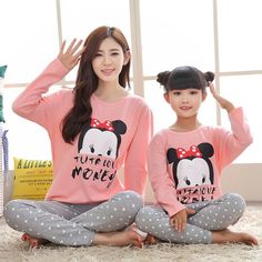 2017 Mother and Daughter Pajamas Minnie Family Matching Clothes Outfits Mommy and me Clothes Girls Pijamas Pyjamas Fille Couple With Baby, Family Christmas Pajamas, Matching Family Outfits, Matching Clothes, Look Girl, Night Suit, Mommy And Me Outfits, Family Set, Minnie
