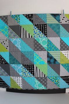 "Sewing Ideas For Baby Modern Baby Quilt ""Olivia"" Contemporary Geometric Triangle Pattern . Colchas Quilting, Scrappy Quilts, Easy Quilts, Small Quilts, Quilting Designs, Quilt Baby, Quilt Bedding, Boys Quilt Patterns, Triangle Quilt Pattern"