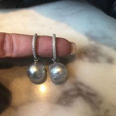 ❤️ my Christmas present ❤️#happydays #merrychristmas #southsea #pearls #diamonds #portfairyjeweller #leskesdiamondssparklemore #custommade #thankyou #husband #sneakystaff #loveit    #Regram via @loveleskesjewellers