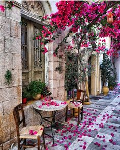 Streets of Nafplio Greece Beautiful Places To Travel, Wonderful Places, Beautiful World, Beautiful Gardens, Beautiful Smile, Beautiful Flowers, Fond Design, Beau Site, Travel Aesthetic