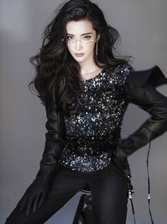 Actress Li Bingbing poses for fashion magazine | China Entertainment News