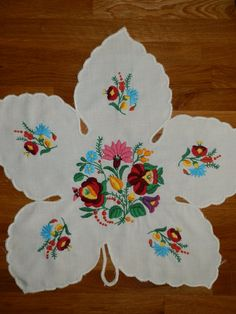 Foliate handmade embroidery Hungarian kalocsa by macaristanbul, $25.00