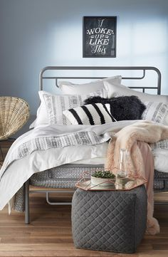 Crushing on this sophisticated yet cute bedroom set that  makes crawling in bed extremely cozy.