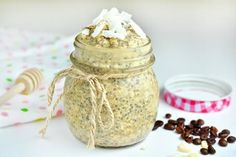 The combination of coconut, coffee and milk is unreal! Check out this fantastic and healthy coconut latte chia pudding recipe - you can enjoy it as breakfast or even as a health. Chia Puding, Latte, Healthy Fats, Healthy Recipes, Coconut Benefits, Fiber Foods, Pudding Recipes, Food Inspiration, Food And Drink
