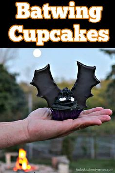 Take a bite out of them, before they take a bite out of you!! *insert evil laughter here* #halloweentreat #halloweencupcake #royalicing #buttercreamfrosting #batwingcupcakes #halloweendessert #bats #cupcakes #foodart #funfood #devilsfoodcupcake #cupcakeart #kudoskitchenrecipes Halloween Desserts, Halloween Cupcakes, Halloween Treats, Halloween Projects, Easy Halloween, Spooky Food, Icing Ingredients, Cupcake Art, Gel Food Coloring