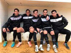 De nuevo, jornada para olvidar en la 2ª Andaluza, solo se salvó elTotalán, que ganó a Los Compadres, gol de Ruiz en el primer tiempo, los otros cuatro equipos perdieron. Lo hizo de estrépito de nuevo elAlgarrobo, que empieza a recordar al del año pasado, dejando muchas facilidades en casa, 0-5 cayeron en La Vega ante el Juventud de Torremolinos, los tres últimos goles del 80 al 90.   #deportes #futbol #noticias