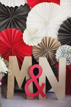 DIY Paper Pinwheel backdrop // Sonoma Wedding by Andria Lo Photography Cute Wedding Dress, Red Wedding, Wedding Day, Wedding Bells, Paper Rosettes, Paper Pinwheels, Glitter Letters, Deco Table, Event Decor