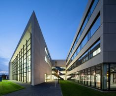 Centro para la Energía Renovable y Fotovoltaica / Henn (Munich, Alemania) #architecture