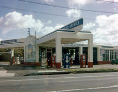 Stockton's Wilson Way old gas station - Standard Oil