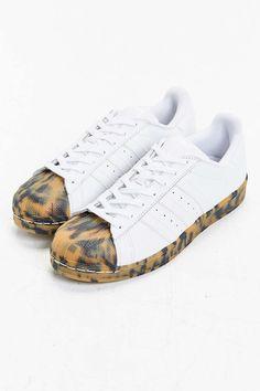 0d9f6eda33ac adidas Superstar Sneaker