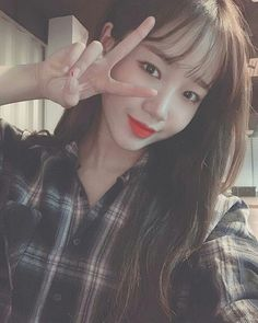Trong hình ảnh có thể có: 1 người, ảnh tự sướng và cận cảnh Kpop Girl Groups, Korean Girl Groups, Kpop Girls, Miss U So Much, Jung Chaeyeon, Choi Yoojung, Kim Sejeong, Girl Day, Beautiful Moments
