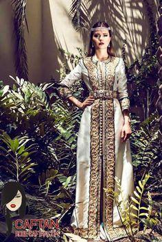 Caftan de haute gamme fait par des tailleurs et stylistes ayant des longues années d'expérience, ce qui a contribué à nous accorder cette création luxueuse qui s'est faite présenter par une jolie mannequin marocaine.