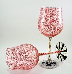 Patterned wine glass