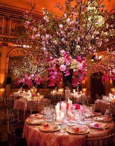 Centre de table rose branche d'arbre deco