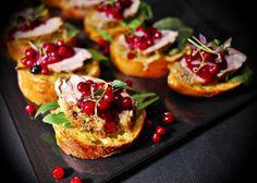 Saaranlautasella: Crostineja kahdella tapaa,  possunfileestä ja herk... Bruschetta, Baked Potato, Potatoes, Baking, Ethnic Recipes, Blog, Potato, Bakken, Blogging