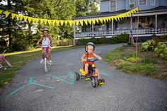Create a Tour de France for your kids! I would love to do this if it was not so hot here!