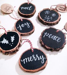 DIY :: Chalk Art Wood Slices :: gift tags or ornaments Rustic Christmas, Winter Christmas, All Things Christmas, Christmas Holidays, Christmas Decorations, Christmas Ornaments, Office Christmas, Wood Ornaments, Handmade Ornaments