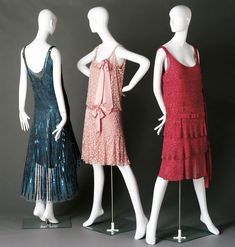 Three gorgeous 1926-Chanel-dresses on display in the Arizona-Costume-institute.  Her dresses epitomised the Parisian economy with style coupled with an exciting new femininity which was fast replacing the more exotic looks of the likes of Poiret.