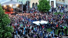 În cadrul concertului organizat de Cătălin Cherecheș pentru tinerii băimăreni, tot publicul împreună cu Voltaj ne-au făcut cu mâna.