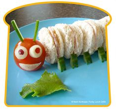 Another great food idea for your Very Hungry Caterpillar Party Cute Food, Good Food, Yummy Food, Toddler Meals, Kids Meals, Easy Meals, Chenille Affamée, Lunch Saludable, Hungry Caterpillar Party