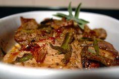 Costeletas de porco no forno com mel e sálvia
