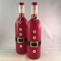 This article is not available Santa-Christmas-Lighted Wine Bottle-Gift-Home Decor 20 Festively simple wine bottles to decorate holiday Festive, light wine bottle crafts for decorating holiday homes - the Christmas decoration is here. Wine Bottle Vases, Wine Bottle Gift, Painted Wine Bottles, Lighted Wine Bottles, Diy Bottle, Wine Bottle Crafts, Bottle Art, Perfume Bottles, Snowman Christmas Decorations