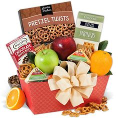 The juicy oranges, crisp apples, and tender pears in our fruit gift baskets are straight from the orchards. You won't find fresher fruit baskets anywhere! Caramel Dip, Salted Caramel Sauce, Gourmet Gifts, Gourmet Recipes, Virginia Peanuts, Whole Grain Wheat, Fruit Gifts, Chocolate Covered Cherries, Christmas Gift Baskets