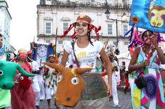 Circuito Batatinha anima foliões revivendo os antigos carnavais em Salvador - Fotos - R7 Carnaval 2015