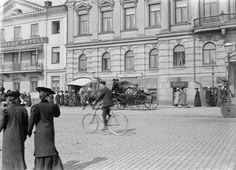 Street+Scenes+of+Helsinki,+Finland,+ca.+1900s+(6).jpg (1024×738)