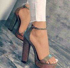 d7a701b00 Saltos Sapatos De Luxo, Sapatos De Festa, Closet De Sapatos, Prom Sapatos,