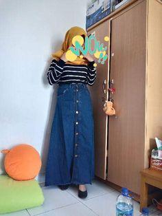 InfoAdd a descriptionALBUMSpalupy button up items · 15 JunSat, × KBWhere was this taken? Waist Skirt, High Waisted Skirt, Button Up Skirts, Jun, Buttons, Outfits, Fashion, Moda, High Waist Skirt