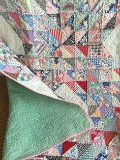 Quilt Study, Sewing, Vintage Textiles, Collecting quilts and other old odds and ends. Vintage Quilts Patterns, Scrap Quilt Patterns, Antique Quilts, Vintage Textiles, Colorful Quilts, Scrappy Quilts, Barn Quilts, Quilt Bedding, Ocean Waves
