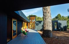 Karri Loop House: Give Me a Home Among the Gum Trees