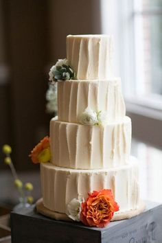 Simple & fresh wedding cake | Birds of a Feather Events