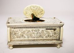 ANTIQUE  SINGING BIRD BOX MUSIC BOX AUTOMATON
