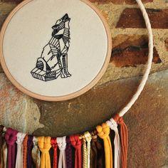 dreamcatcher wolf wooden embroidery wolf von NouvelleVieHandcraft