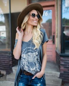 A vintage graphic is always a good idea and an essential go-to for easy styling! Our Chayanne Vintage Tee is something else in this vintage black wash with a ta