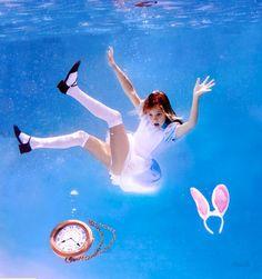 "underwater photographer Elena Kalis' ""Alice in Waterland."" Featuring Elena's daughter as Alice. Photography Series, Water Photography, Image Photography, Ethereal Photography, Photography Ideas, Fashion Photography, Underwater Photoshoot, Underwater Photographer, Elena Kalis"