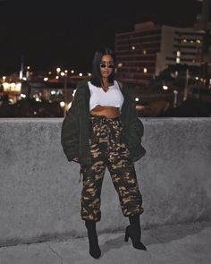 Black girls ripped jeans, casual wear on stylevore Girls Ripped Jeans, Cool Outfits, Fashion Outfits, Fashion Hats, Fashion Accessories, Swag Outfits, Womens Fashion, Fashion Trends, Women's Fashion Leggings