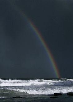 maravillosooooooo !!!!!!!!!el mar el arco iris ,,,, perfecto !!!!!!LAS MARAVILLAS DE DIOS !!!!!!!!