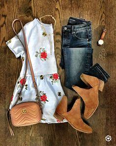 IG: @mrscasual | Floral peplum top, skinny jeans, tan booties, Gucci crossbody, stackable rings