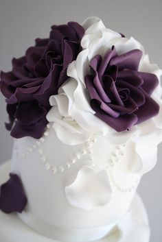 Gorgeous Cakes by Cotton and Crumbs Gorgeous Cakes, Pretty Cakes, Amazing Cakes, Cupcakes, Cupcake Cakes, Fondant Flowers, Sugar Flowers, Plum Flowers, Pretty Flowers