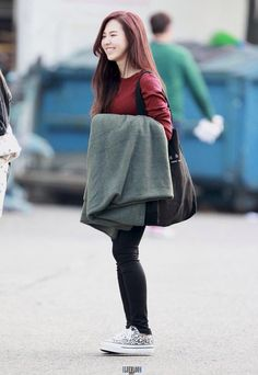 ft. Red Velvet's Son Wendy rocking her simple yet very chic style.