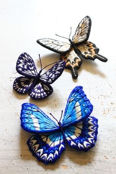 Felt embroidery butterfly フェルト刺繍立体昆虫ブローチ・蝶々 by PieniSieni